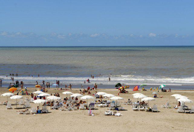 La Costa Atlántica bonaerense atrae la mayor cantidad de turistas en verano.