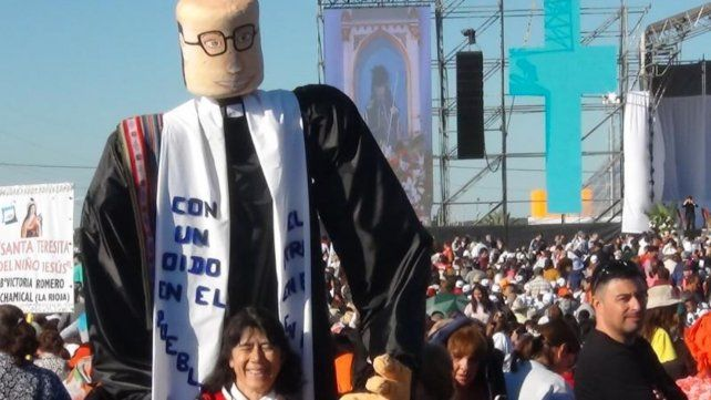 Angelelli vive. Fieles riojanos celebraron la beatificación