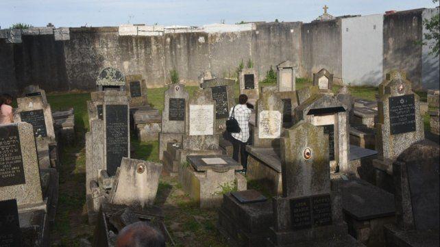 La necrópolis de la Unión Hebraica tiene 144 tumbas, en su mayoría de rufianes y madamas.