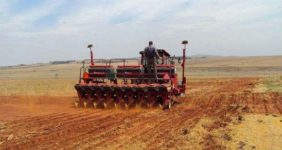 Santa Fe debe sancionar impuestos a las grandes extensiones rurales