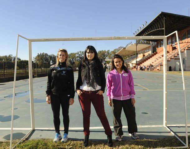 Las chicas posaron en las instalaciones del Isef