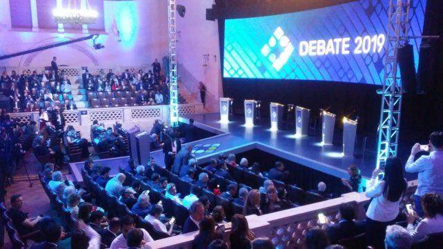 Seguí la transmisión en vivo del debate presidencial en el Paraninfo de la UNL