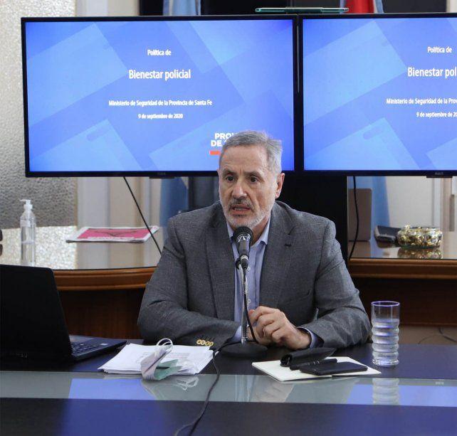 El ministro Sain diserta hoy sobre ley policial en una conferencia online