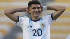 """Afuera. """"Palacios sufrió la lesión en una estocada, lamentablemente, cuando se quedó atascado en el césped, informó el club alemán."""