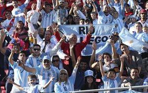 Los simpatizantes argentinos coparon el estadio de La Serena. (Foto: NA)