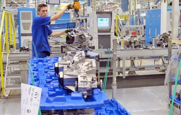 Media máquina. La actividad industrial bajó 3