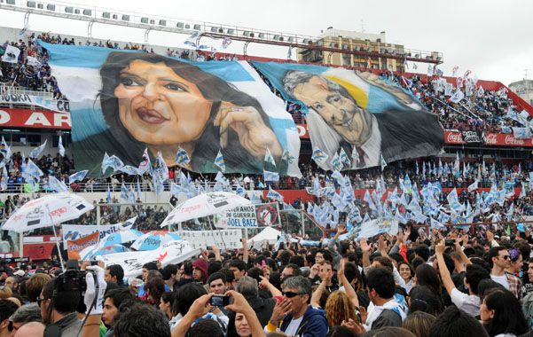 El kirchnerismo militante espera las señales de Cristina antes de definir estrategias hacia 2015.