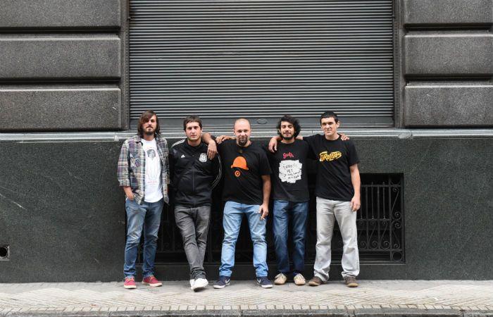 Farolitos sale a la cancha. El grupo presenta su disco y lo mejor de sus 14 años de carrera en el Gabino Sosa.
