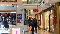 UN POCO MÁS TARDE. Los shoppings podrán cerrar a las 21.