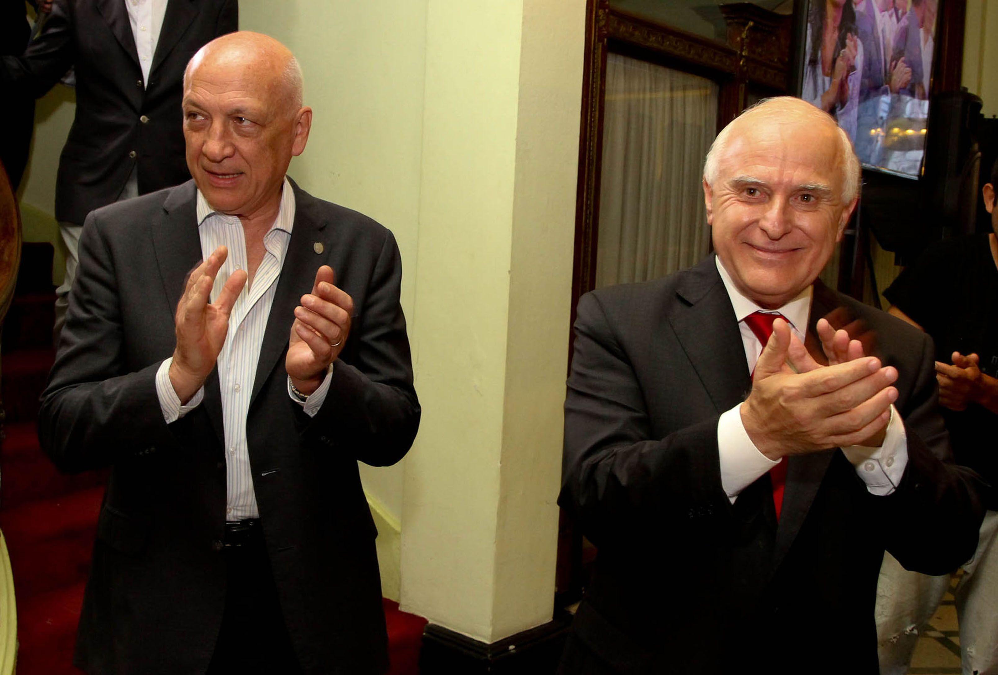 El gobernador pidió prudencia para evaluar las nuevas gestiones. Bonfatti no es optimista con Macri.