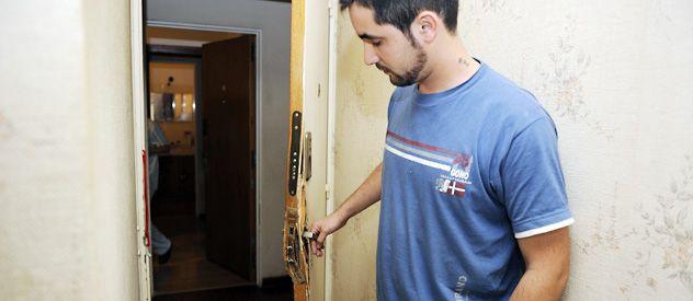Uno de los damnificados por el doble escruche ocurrido durante el fin de semana en Dorrego al 200 pidió a sus vecinos que no se deje entrar al edificio a nadie que no tenga llave.