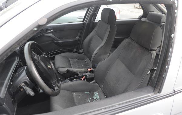 En el auto. Carlos Toledo estaba por arrancar su vehículo cuando le dispararon desde corta distancia.
