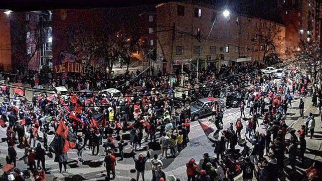 Los hinchas de Colón coparon las calles de Santa Fe