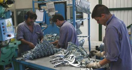 Pequeñas firmas de la maquinaria agrícola se unen para exportar