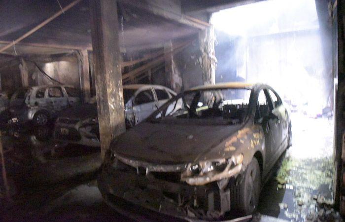 La Fiscalía confirmó que un hombre entró y salió del edificio previo al incendio