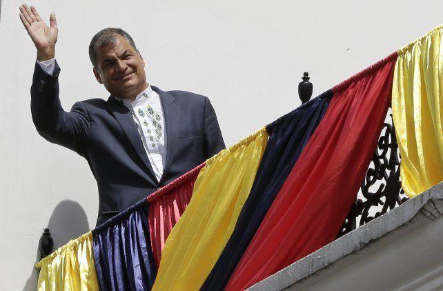 Citan a Rafael Correa en Ecuador por presuntos sobornos de Odebrech