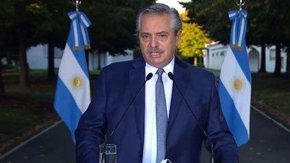 Alberto Fernández, al anunciar, entre otras restricciones, la suspensión de las clases presenciales en el Gran Buenos Aires.