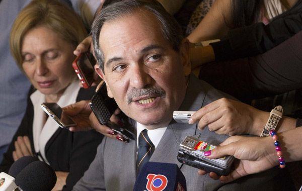 Para el gobernador de Tucumán no se puede llamar a elecciones en tan poco tiempo.