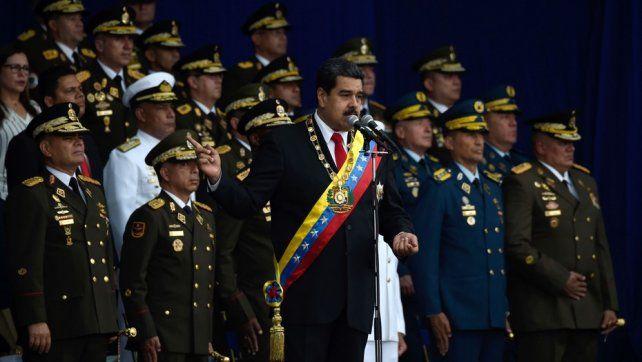Maduro preside un régimen de carácter represivo y militar.