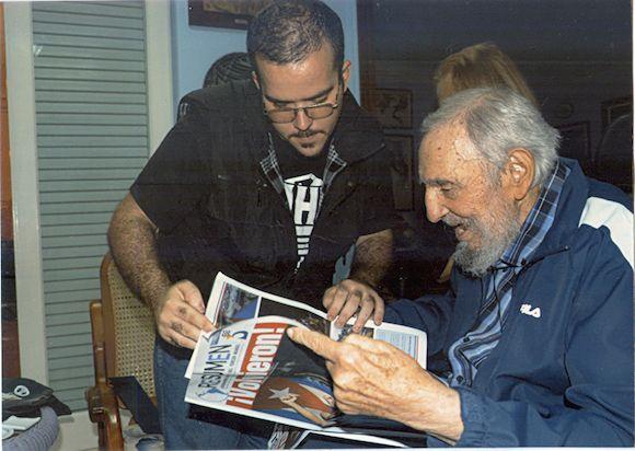 Exclusiva. Randy Perdomo analiza con Fidel un diario que relata el regreso a la isla de cinco espías cubanos.