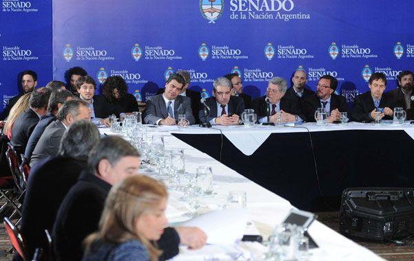 Encuentro. Empresarios y entidades de consumidores participaron del plenario realizado ayer en el Senado.