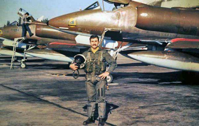 Puro coraje. Vázquez falleció a las 24 años al mando de un A-4 B Skyhawk.