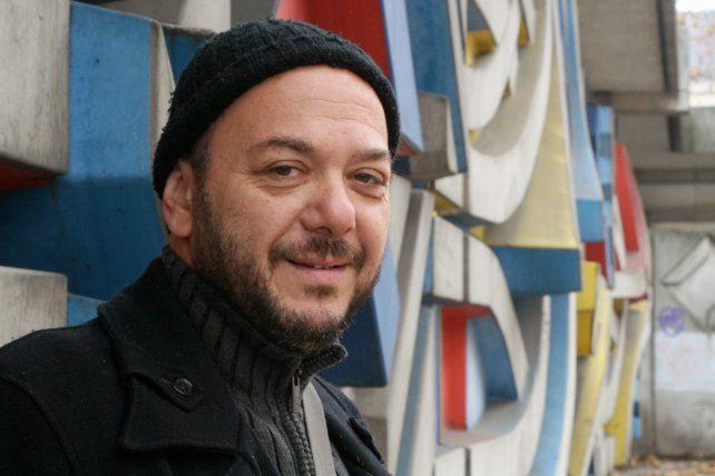 """Luis Ziembrowski es el autor del guión de Derecho de pernada que basa en las novelas """"El amigo de Baudelaire"""" y """"La sierva"""""""