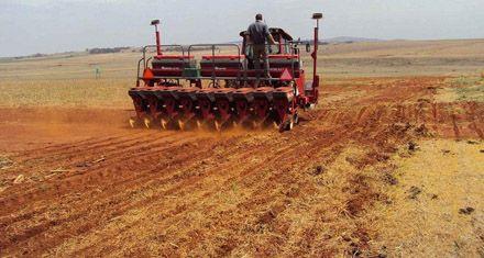 Maquinarias de Santa Fe ya se prueban en campos de Sudáfrica