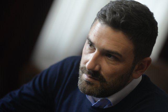 """Estévez, jefe del socialismo provincial, defendió el """"proyecto progresista""""."""