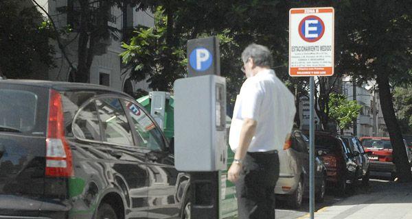 Si Lifschitz  prohibe el estacionamiento en el centro, lo apoyaremos