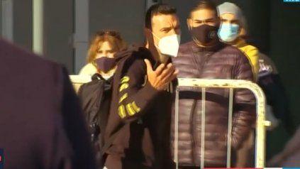 Está el DT. Scaloni llegó este martes a nuestro país, pero no hizo declaraciones por protocolo sanitario. (Imagen: captura de TV. TyC Sports)