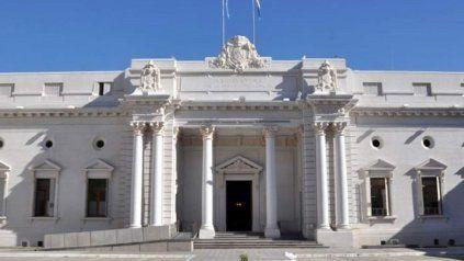 Ambas Cámaras de la Legislatura tratarán hoy la denuncia de un vacunatorio VIP en el hospital Eva Perón, de Granadero Baigorria.