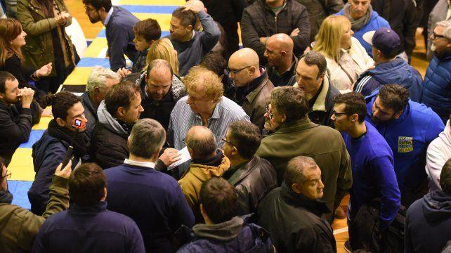 Una imagen tomada durante una asamblea canalla.