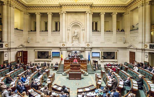 Por Mayoría. El Parlamento federal belga ayer