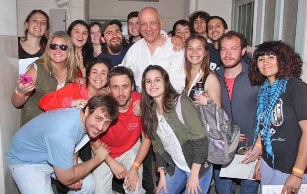 "Volver al claustro. Bonfatti les pidió a los jóvenes ""que estudien"""