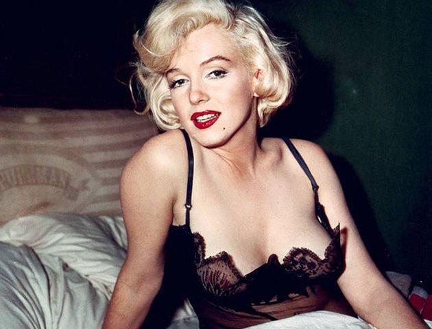 Marylin Monroe apareció muerta luego de aparentemente haber ingerido una sobredosis de Nembutal.