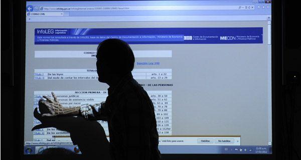 La pizarra digital se asoma a las aulas de las escuelas santafesinas