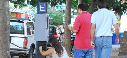 Sumarían 70 cuadras al estacionamiento medido y aumentarán la tarifa