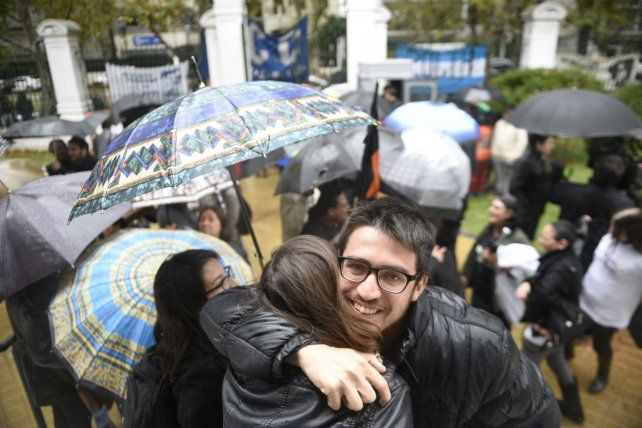 Alegría. Familiares y militantes de derechos humanos festejaron el fallo.