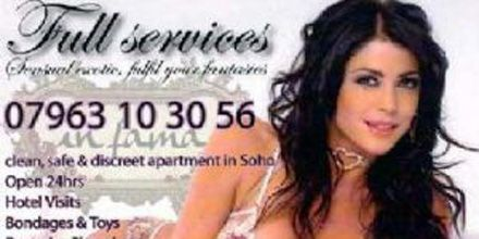En Inglaterra, usan la imagen de Pamela David para promocionar servicios sexuales