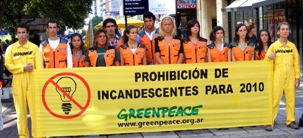 Greenpeace denunció que los edificios públicos aún no reemplazaron las lamparitas