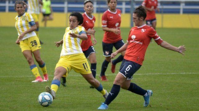 Erica Lonigro (11) señaló el empate para las canallas.