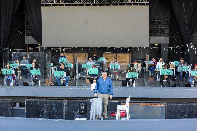 El Ensamble de Vientos durante el ensayo en el Anfiteatro.