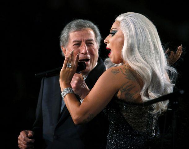 Lady Gaga brilló canatando junto al eterno Tonny Bennett