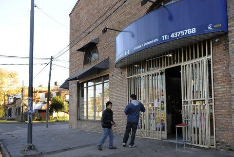 El asalto ocurrió anoche en un comercio de la zona oeste. (Foto: V. Benedetto)