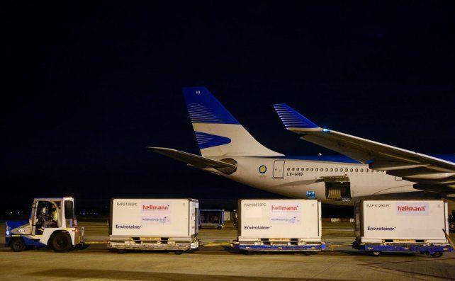 Coronavirus: llegó otro avión con vacunas chinas y Argentina supera los 23 millones de dosis recibidas