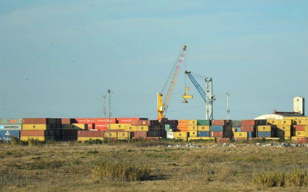 Comercio. También se criticó la obligación a las empresas importadoras de exportar por cantidades equivalentes.
