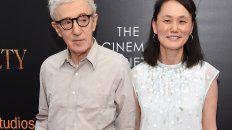 Woody Allen se casó con Soon-Yi Previn, la hija adoptiva de Mia Farrow.