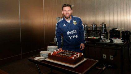 Otro festejo más. Messi volvió a cumplir años coincidiendo con una competencia de la selección nacional y concentrado.