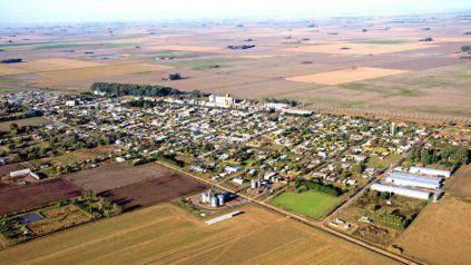 Chovet es una localidad del departamento General López ubicada a 140 kilómetros de Rosario.